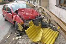 V Ústí nad Orlicí havaroval řidič vozidla značky Fiat Punto.