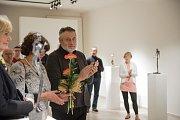 Moje plastiky a váš betlém. To je název výstavy Karla Bureše ve výstavní síni českotřebovského Kulturního centra.
