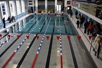 Z otevření opraveného bazénu ve Vysokém Mýtě.
