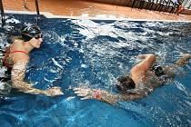 """Vrcholem programu """"Vodního týdne"""", do kterého byl zapojen také krytý bazén v Ústí nad Orlicí, se stala sobotní hodinová dobročinná štafeta."""