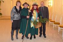 Manželé Cempírkovi s vládci Králického Sněžníku Krulišákem a Rozvodnicí.