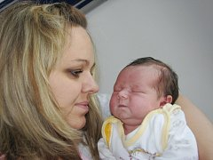 Emma Mazurová bude doma v Dlouhé Třebové s rodiči Simonou a Martinem i sourozenci Štěpánem a Eliškou. Narodila se 1. září v 9.07, kdy vážila 4,1 kg.