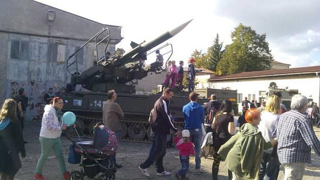 Expediční expozice Vojenského muzea Králíky v Retroměstečku v Pardubicích.