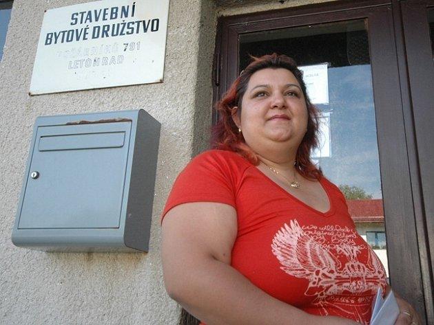 Monika Miková se ještě včera pokoušela doručit družstvu důležitý dokument, marně – na SBD měli dovolenou.