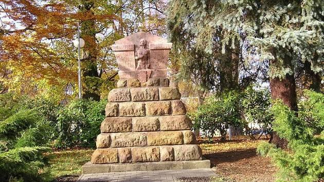 Upravený pomník v Žamberku.