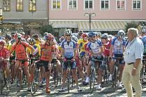 Na startu závodu se sešlo 99 cyklistů.