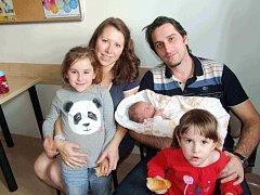 Jana Řeháková je po Zuzance a Lucince třetí dcerou manželů Aleny a Kamila z České Třebové. Když se 10. prosince v 1.40 narodila, vážila 4 kg.