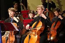 Koncert nazvaný HRANÍ BEZ HRANIC uspořádala Základní umělecká škola Jaroslava Kociana v neděli 14. dubna.