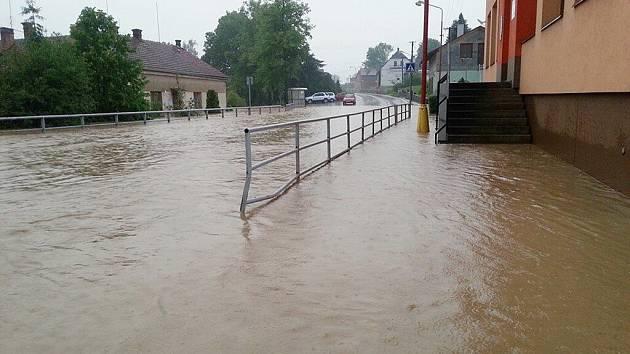 Blesková povodeň v Sopotnici.