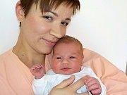 Erika Kostroňová je po Kačence druhorozená dcera Miloslavy a Tomáše z České Třebové. Narodila se s váhou 4180 g dne 29. 9. v 7.00 hodin.