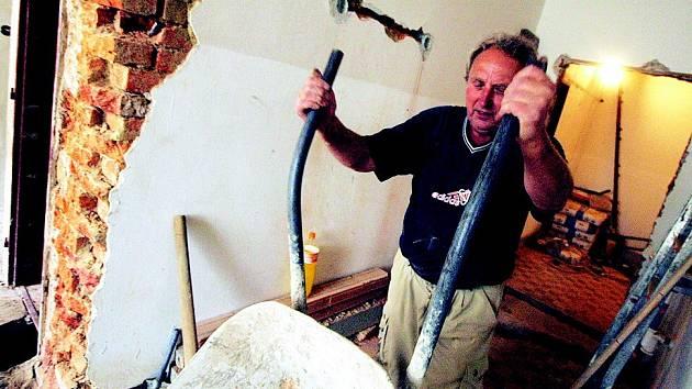 V Dlouhé Třebové je v plném proudu rekonstrukce kuchyně, která se musí stihnout do konce prázdnin.