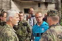 Náčelník Generálního štábu Armády ČR Petr Pavel při návštěvě tvrze Bouda.