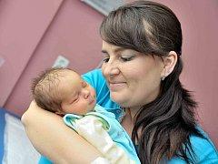 Ondřej Klusáček, tak pojmenovali syna Marcela a Otakar z Chocně. Chlapeček se narodil 24. dubna ve 22.09 hodin, vážil 3,750 kg. Doma se na něj těší bratříček Otík.