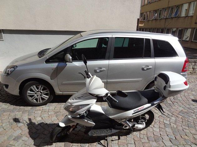 Městský úřad ve Vysokém Mýtě zakoupil i díky grantu dva ekologické dopravní prostředky.