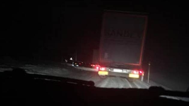 Silnice z Jablonného přes Suchý vrch je pro kamiony uzavřená.