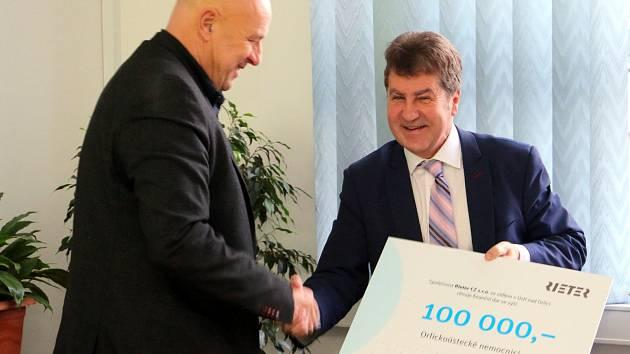 Rieter CZ opět podpořil nadační fond při Orlickoústecké nemocnici částkou 100 tisíc korun.