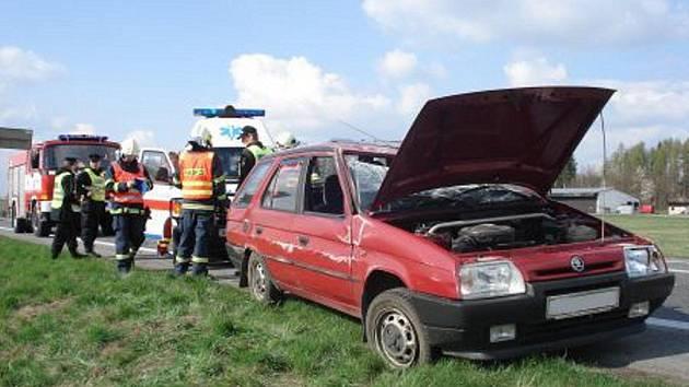 Z dopravní nehody ve Vysokém Mýtě.
