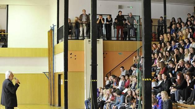 Zahájení školního roku ve Střední škole uměleckoprůmyslové v Ústí nad Orlicí.