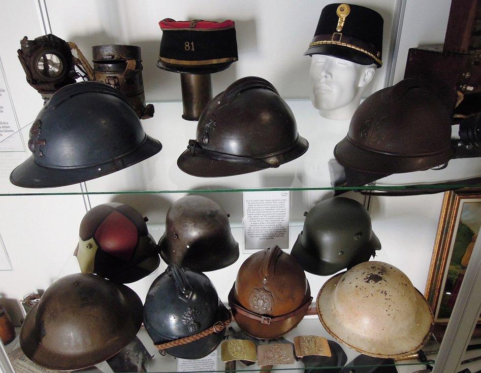 Zimní prověrka techniky vojenského muzea.