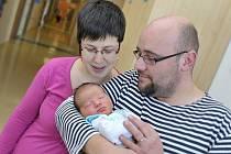Vít Macháček je po Kačence druhým potomkem manželů Petry a Milana z Chocně. Narodil se 17. února v 18.41, kdy vážil 3,45 kg.