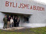 Pěchotní srub U Cihelny navštívila Zdena Mašínová.