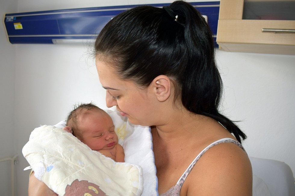 Tobias Bartoš je prvním dítětem Kateřiny a Martina z Letohradu. Při narození 2. 6 v 1.20 hodin vážil 3,395 kg.