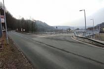 Začátek uzavírky — křižovatka silnice II/315 (ul. J. Haška) s místní komunikací, mostu k nádraží ČD v Ústí nad Orlicí. Zdroj: Lukáš Prokeš