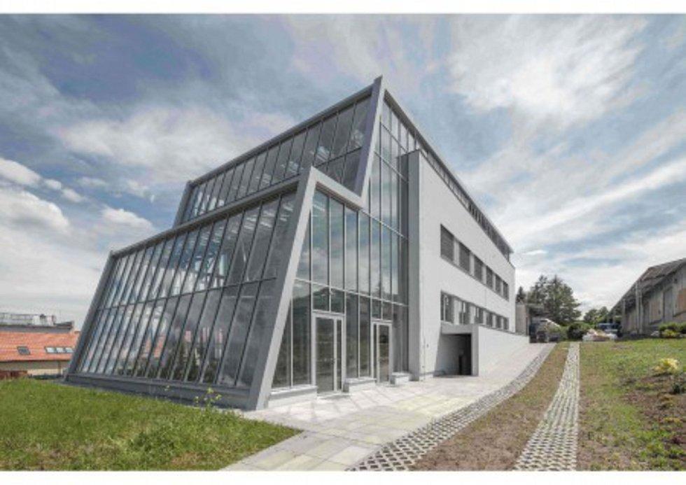 SŠ zahradnická a technická Litomyšl – rekonstrukce budovy pro odbornou výuku a přístavba skleníku – víceúčelová budova