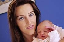 Nela Amélie je po Nikole druhou dcerou manželů Leony a Martina z Jablonného. Narodila se 3. září ve 12.02 hodin a vážila 2,99 kg.