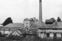Pohled na zrušený pivovar v Chocni, konec 80. let 20. století.