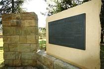 Sokol v Ústí nad Orlicí obnovil pomník obětem války.