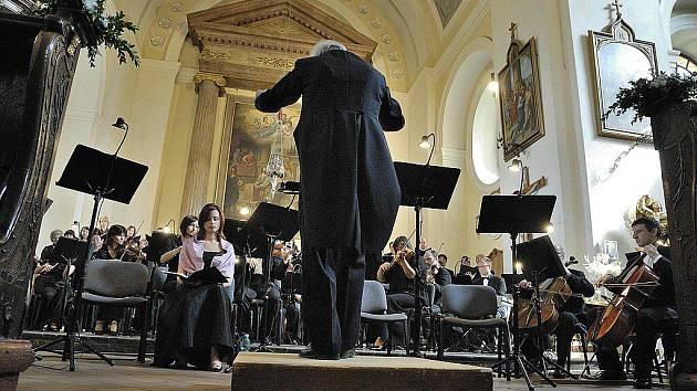 Kostel SVATÉHO JAKUBA v České Třebové v pondělí hostil externí a zároveň poslední koncert Smetanovy Litomyšle.