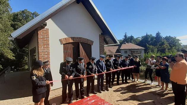 Ze slavnostního otevření hasičského minimuzea v Letohradu - Kunčicích.