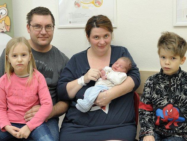Prvním miminkem v kraji byl Adam Mikyska.