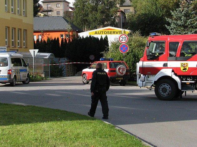 Poliklinika v Žamberku musela být v pátek ráno kvůli výhrůžce, že je v ní umístěna bomba, evakuována.