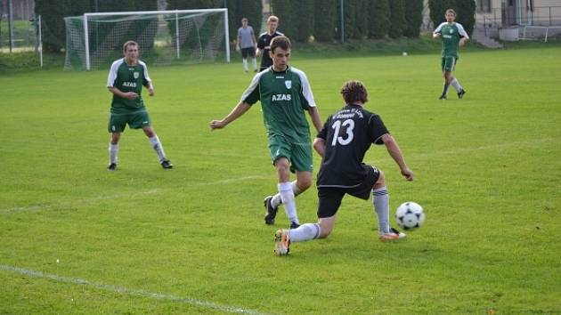 Dolní Čermná (v zeleném) porazila Kunvald těsně 3:2.