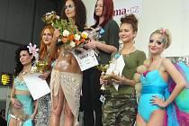 Anna Šulcová s modelkou Barborou Lipenskou.