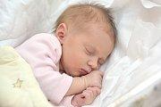 Sabina Sieglová bude doma s rodiči Petrou a Janem a bráškou Tobiáškem v Ústí nad Orlicí. Když se 28. 11. v 10.32 hodin narodila, vážila 3,210 kg.
