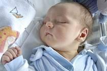 Adam Vychytil je prvním dítětem Lucie Rajnetové a Romana Vychytila z Brandýsa nad Orlicí. Světlo světa spatřil 6. 8. ve 4.57 hodin, kdy vážil 3,9 kg.