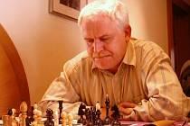 Jan Smola je dlouholetým šachistou ústecké Jiskry.