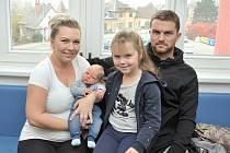 Adam Jirsák rozšířil rodinu Veroniky a Tomáše z Českých Heřmanic. Když se 16. října v 6.56 hodin narodil, vážil 3,7 kg. Doma se na něj těší sestřička Sára.