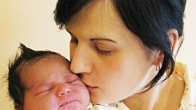 Kateřina Janischová bude doma s maminkou Kateřinou a bráškou Markem v České Třebové. Svět spatřila 21. října ve 2.05, kdy vážila 3,4 kg.