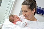 Martina Tomešová je po Petrušce druhou dcerou Gabriely a Martina z České Třebové. Když se 1. 3. v 10.11 narodila, vážila 3,29 kg.