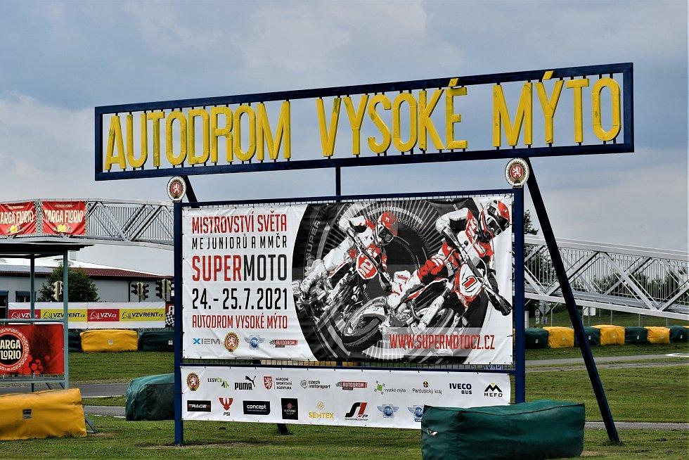 V pátek začíná mistrovství světa Supermoto, na kterém nebudou chybět české, ale ani světové jezdecké špičky.