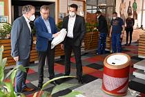 Základní škola v Ústí nad Orlicí obdržela protikoronavirové čističky vzduchu.
