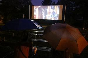 Čadíci v Ústí odstartovali letní kino českým filmem