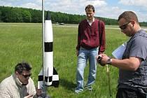 Poprvé v Česku vynášely k nebi poštu rakety.