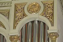 Vím já kostelíček - svěcení opravených varhan v Dolní Lipce.