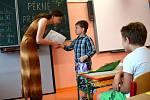 Konec školního roku a předávání vysvědčení žákům v obci Dolní Dobrouči.