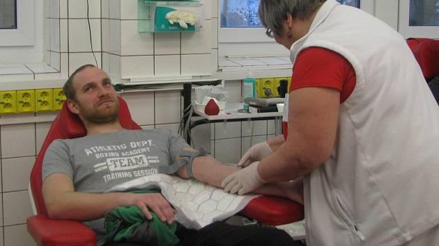 """Akce """"Kdo miluje, daruje krev"""" na hematologicko – transfúzním oddělení Orlickoústecké nemocnice."""